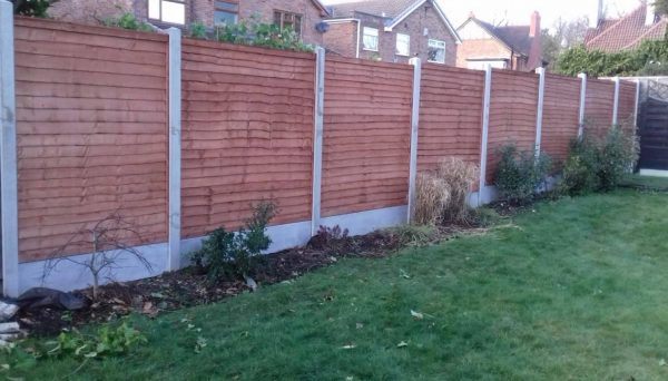 Dodds Fencing and sheds heavy duty lap panles with concrete posts and concrete gravel boards 1