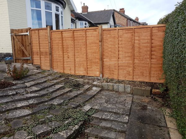 Heavy Duty Lap Panel Fencing 1