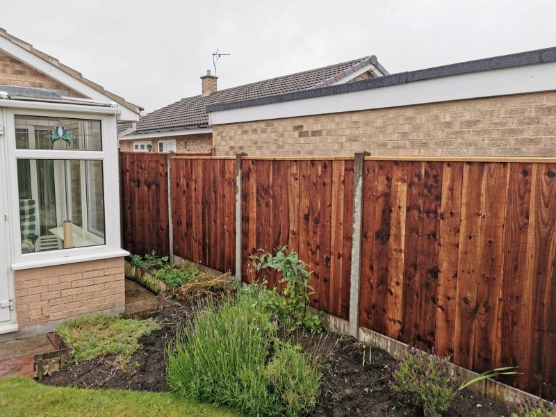 dodds fencing sheds close board fencing panels and concrete posts and gravel boards 2